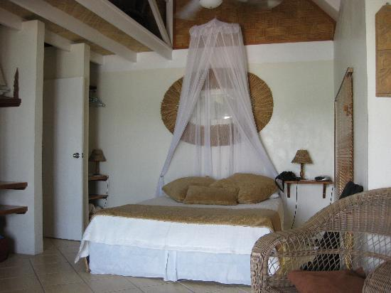 Seachange Lodge: Bedroom in main area - Waterside Chalet