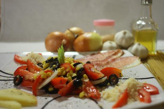 Pizzeria Buon Appetito : ensalada con queso importado y prosciuto crudo