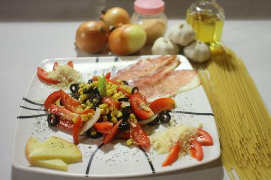 """Pizzeria Buon Appetito : insalata de vegetales fresco i formaggi d""""italia"""
