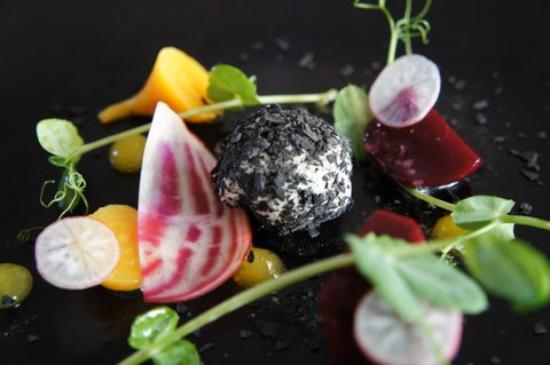 Estelle Bistro: Beetroot & ashed goats cheese