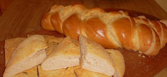 Fresh home-baked breads at Kamahi Cottage