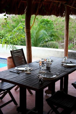 Hacienda Hotel Santo Domingo: pool side table, set for dinner! A glorious sight at the end of a long day!