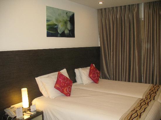 Iris Park Hotel: Habitación algo pequeña pero muy limpia