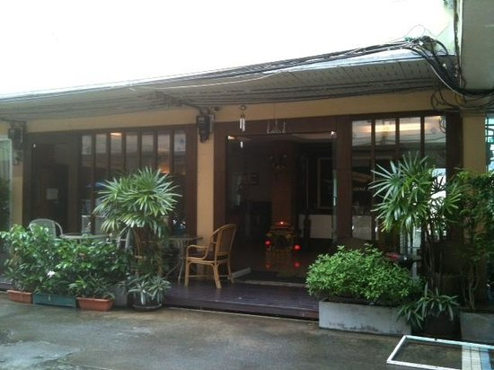 Banana Leaf Hotel & Serviced Apartment: Entrance