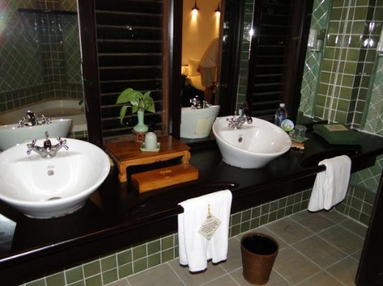Angkor Village Resort: salle de bain