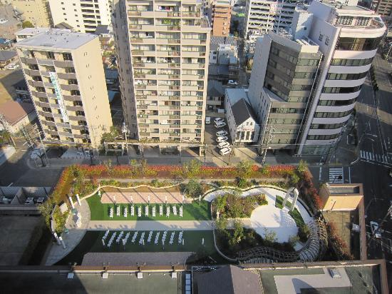 Mielparque Nagoya : 窓からの眺め・屋上チャペルが見える