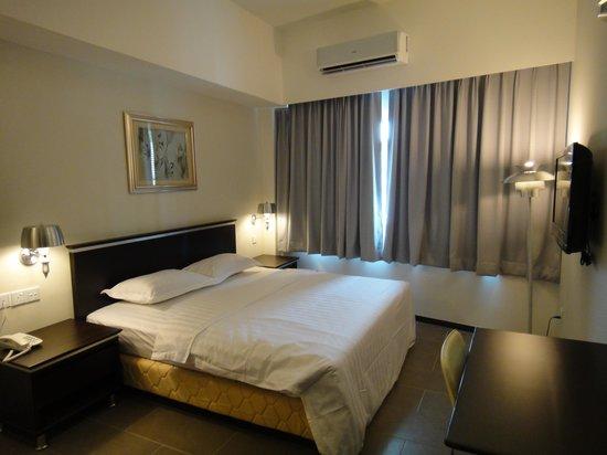 Ritz Garden Hotel: apartment room