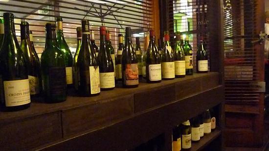 Le Mangevins : beaux choix de vins
