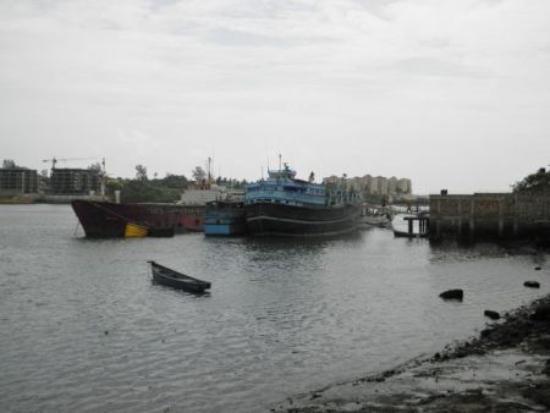 Old Town: Dhau Hafen