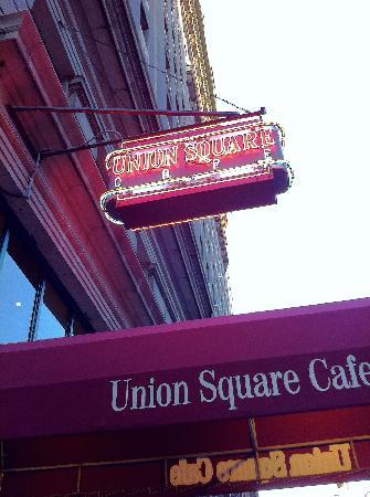 Union Square Cafe: Street sign