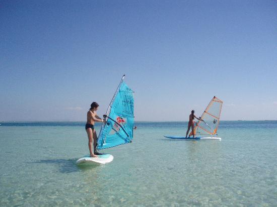 Sea Star Beau Rivage : lezione di windsurf ai ragazzi