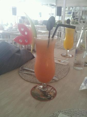Yummy juice with watermelon butterfly at Pavone!
