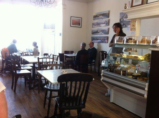 Caffe Vista: cakes etc