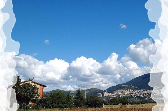 Camere Mariella: Vista su Assisi dalla nostra struttura