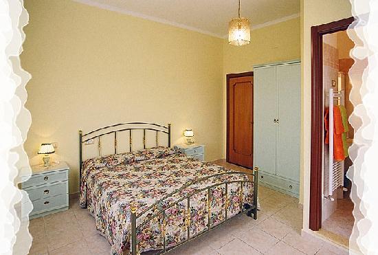 Camere Mariella: Una della nostre accoglienti camere