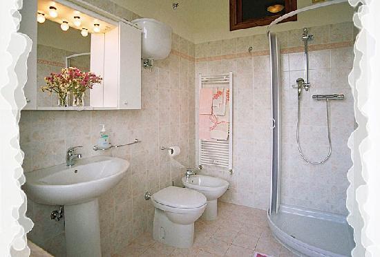 Camere Mariella: Uno dei nostri bagni in camera