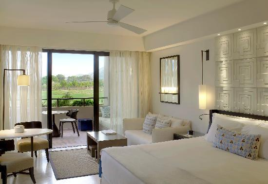 The Romanos Resort Costa Navarino -Deluxe Sea Room - golf view