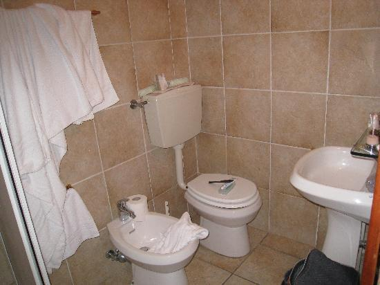 Hotel Cavaliere: bagno