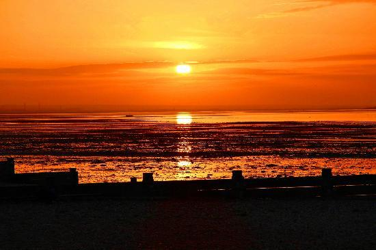 Old Neptune: Sunset over Sheppey 2
