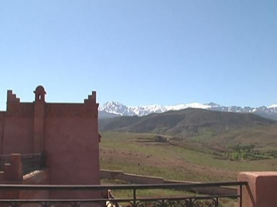 Riad El Wiam: L'Atlas sous la neige à 20km de Marrakech