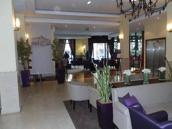 Foyer De Hotel : Hotel foyer photo de h�tel l elysee val d europe serris