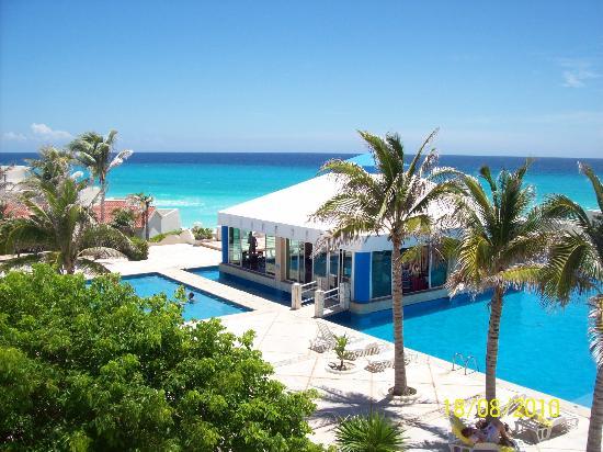 Solymar Cancun Beach Resort Alberca Y Restaurante Pequeño Pero Bien