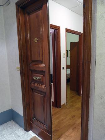 Trianon Borgo Pio Residence: Entrada apartamento A9