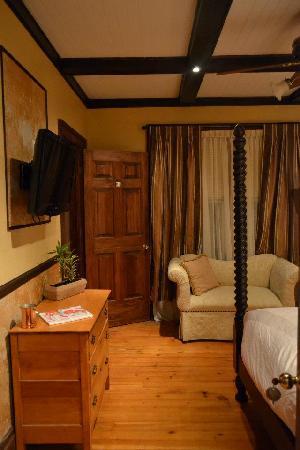 Paris Guest House : Room 1, picture 1.