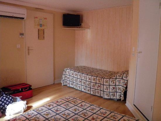 Fasthotel Perpignan: Chambre