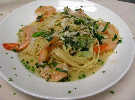 Filomena Lakeview : Shrimp & Crab Over Linguini