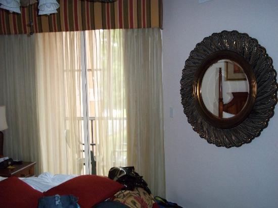 Grande Villas Resort: Bedroom Mirror