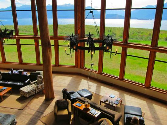 Fiordland Lodge: Upstair lobby