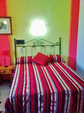 Hostal San Sebastian: habitacion de matrimonio