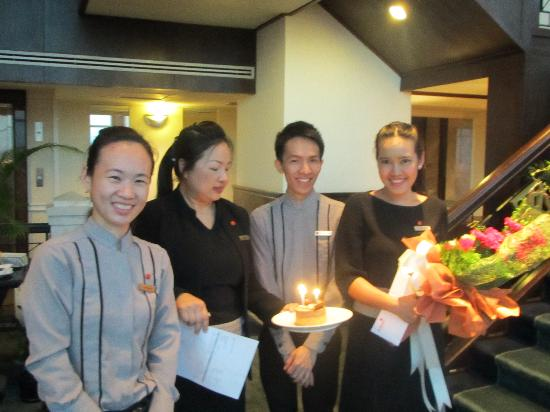 Amari Watergate Bangkok: Staff spoiling guest on Specail Birthday!!!!