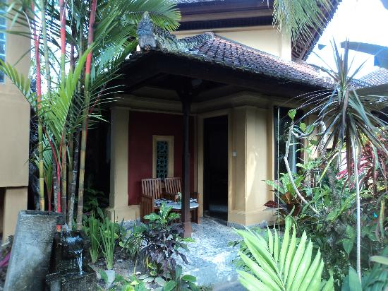 Taman Harum Cottages: our room