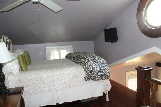 Chimes Bed and Breakfast : Upstairs