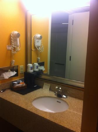 Baymont Inn & Suites Galloway Atlantic City Area: sink...