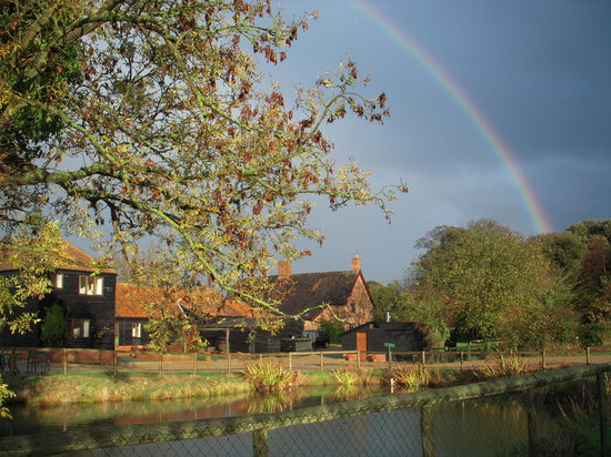 School Farm Cottages: Rainbow