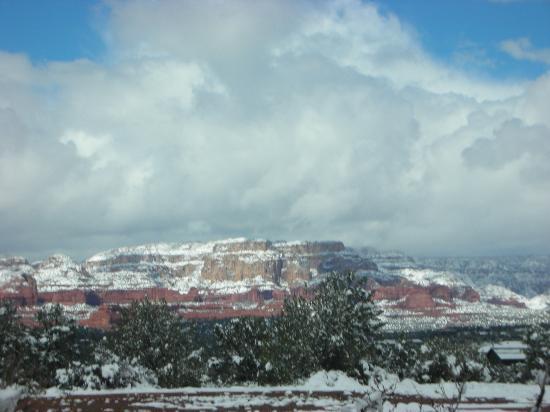 Sedona Summit Resort: SNOW!