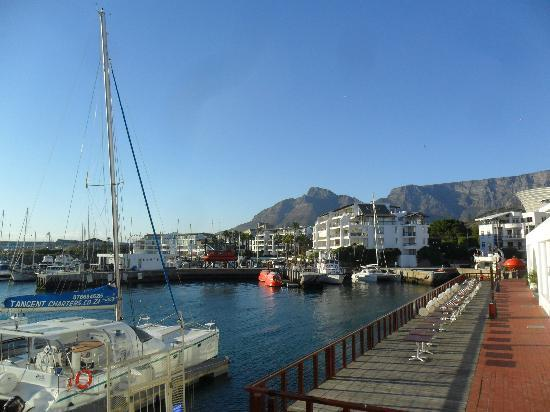 Radisson Blu Hotel Waterfront, Cape Town : Waterfront view from the hotel