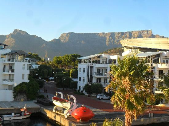 Radisson Blu Hotel Waterfront, Cape Town : Table Mounain from my balcony