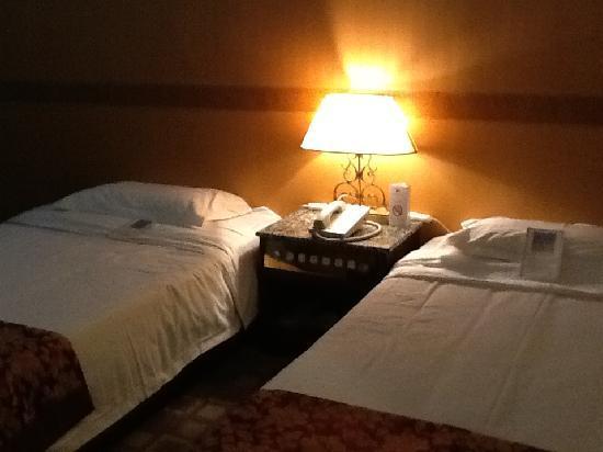 Camellia Hotel : 12.02.18【カメリアホテル】ベッド②