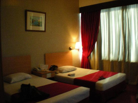 Great Eastern Hotel: deluxe twin room