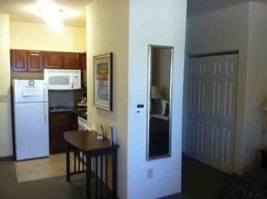 Staybridge Suites Austin NW: Kitchen