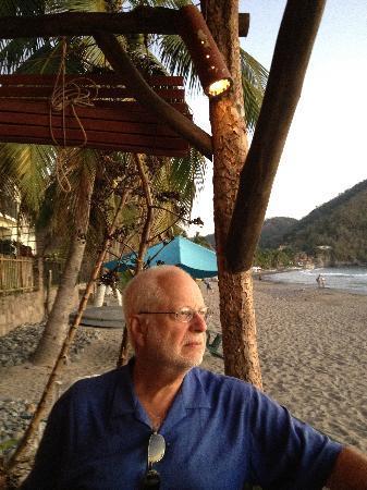 Figaro: beach-side dining