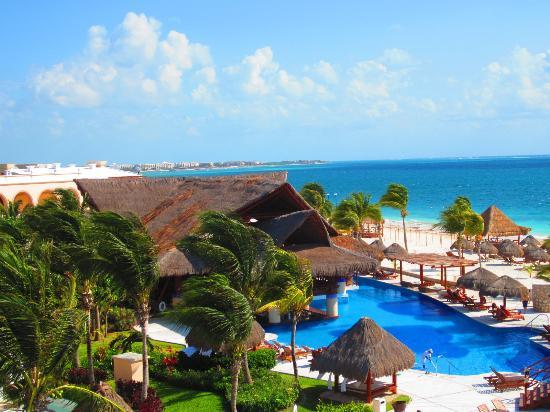 Excellence Riviera Cancun: A view from roof of 4-story building