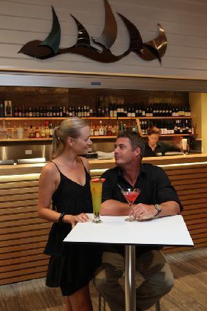 Tides Restaurant & Bar: Tides Bar