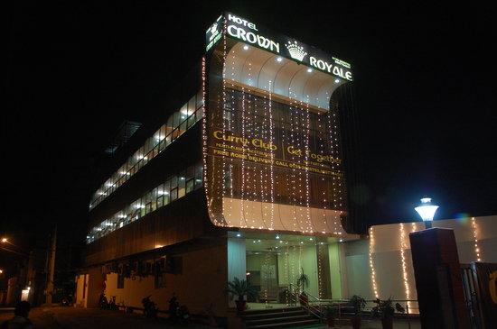 Hotel Crown Royale