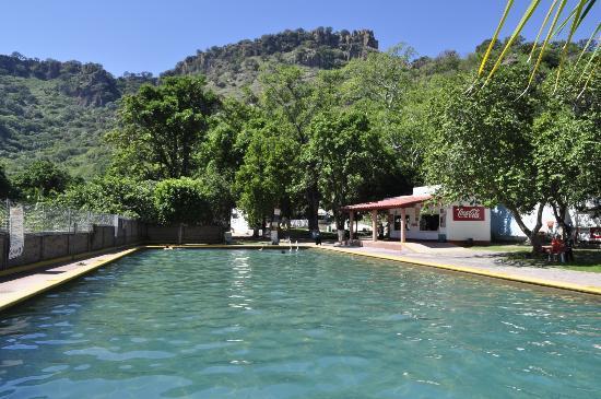 Camino a Huaxtla: Balneario de Huaxtla