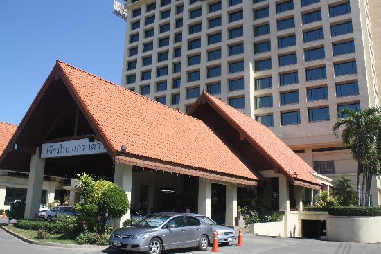 Chiangmai Grandview Hotel: หน้าโรงแรม